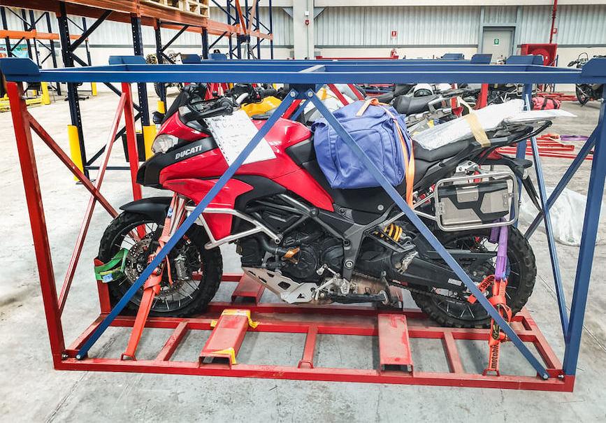 transport motocykli klatka