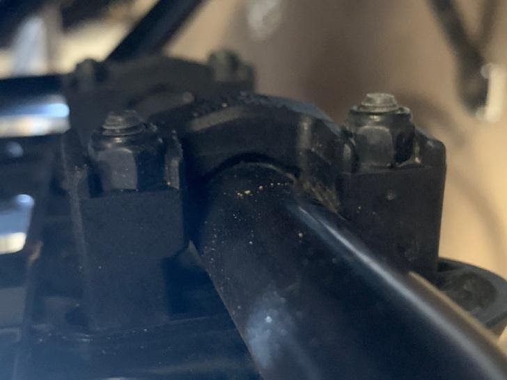 mocowanie sakwy motocyklowej