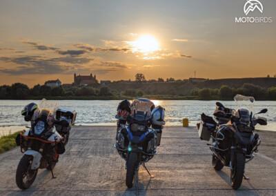 Wycieczka motocyklowa po Polsce zachód slonca